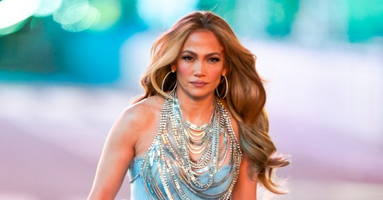 EXCLUSIVE: * EMBARGO / No Web Permitted Before 12.30am ET Dec 31st 2020 * Jennifer Lopez Is Seen Pre-Taping Before Her Performance In Times Square On New Years Eve In New York City