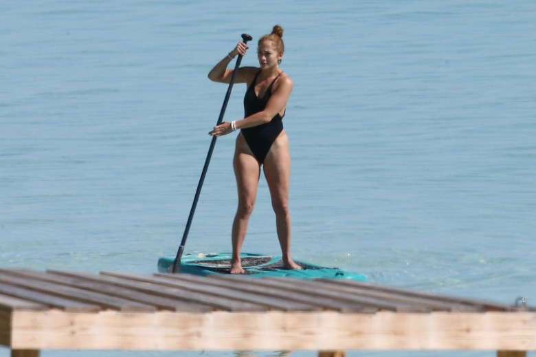 *PREMIUM-EXCLUSIVE* Jennifer Lopez goes paddle-boarding in Turks and Caicos Islands**WEB EMBARGO UNTIL 11:45am PST ON 1/8/2021*