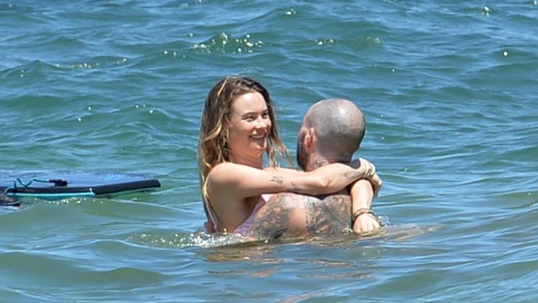 *EXCLUSIVE* Adam Levine and Behati Prinsloo are having a blast in Hawaii!