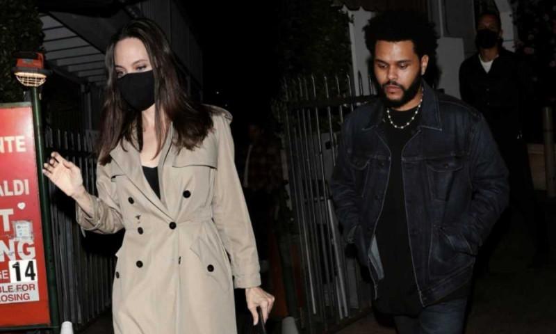 Angelina Jolie si The Weeknd petrec mai mult timp impreuna. Oare ce inseamna asta?