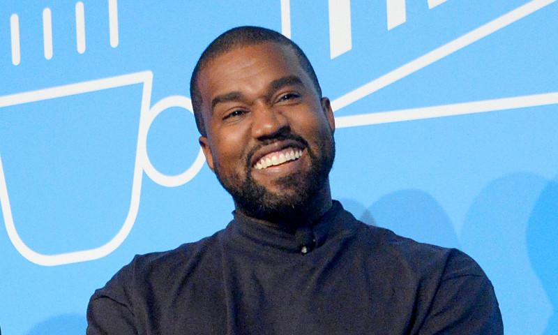 Kanye West a depus actele pentru a-si schimba oficial numele in