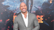 """Prima fotografie cu noua fiică a lui Dwayne """"The Rock"""" Johnson! Poza a strâns milioane de like-uri"""