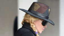 Madonna, de nerecunoscut după operaţiile estetice. Unii fani au criticat-o dur