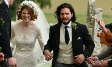 Kit Harington s-a căsătorit la castel, exact ca în Game of Thrones