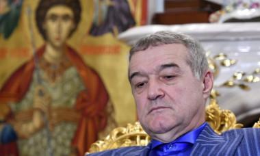 """Probleme mari pentru Gigi Becali si FCSB: Gruparea """"ros-albastra"""" ar fi fost finantata cu bani dintr-o despagubirea frauduloasa"""