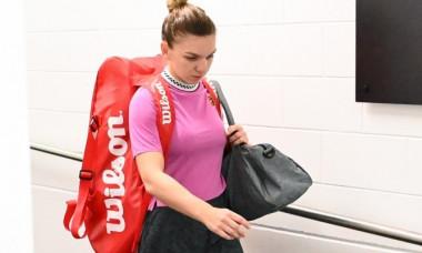 Simona Halep a dat o lectie admirabila de modestie la Australian Open: Gestul prin care a uimit pe toata lumea