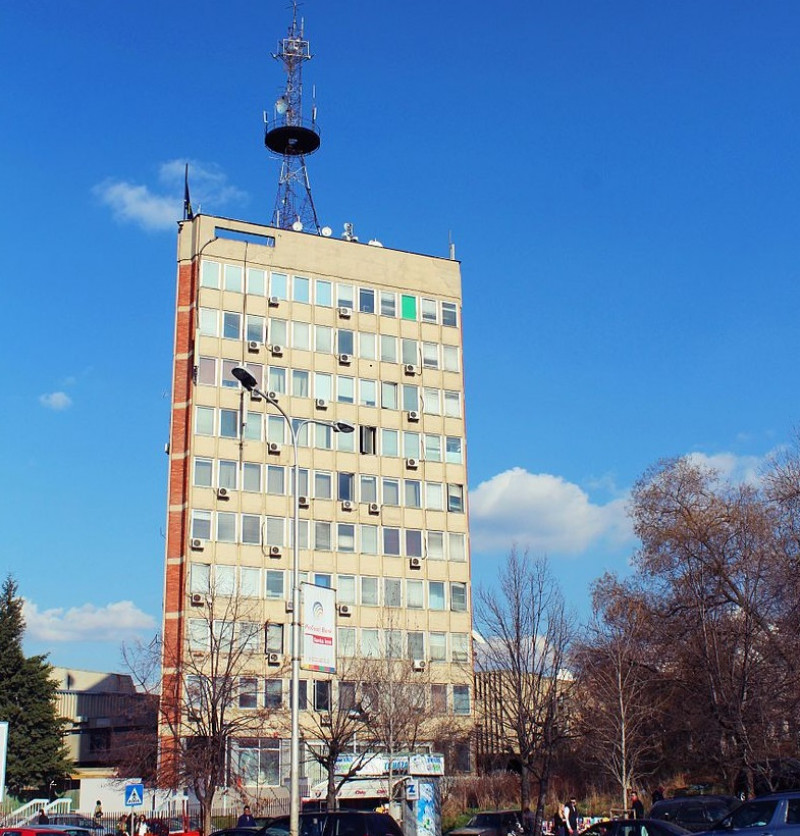 Building_of_Public_television_of_Kosovo_,_Kohavision_and_Radio_Kosova