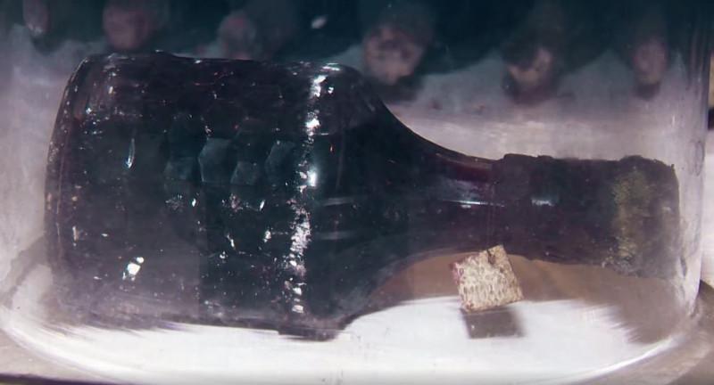 sticla de vin 1902