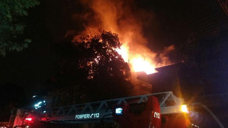 incendiu Bucuresti 141016 (2)