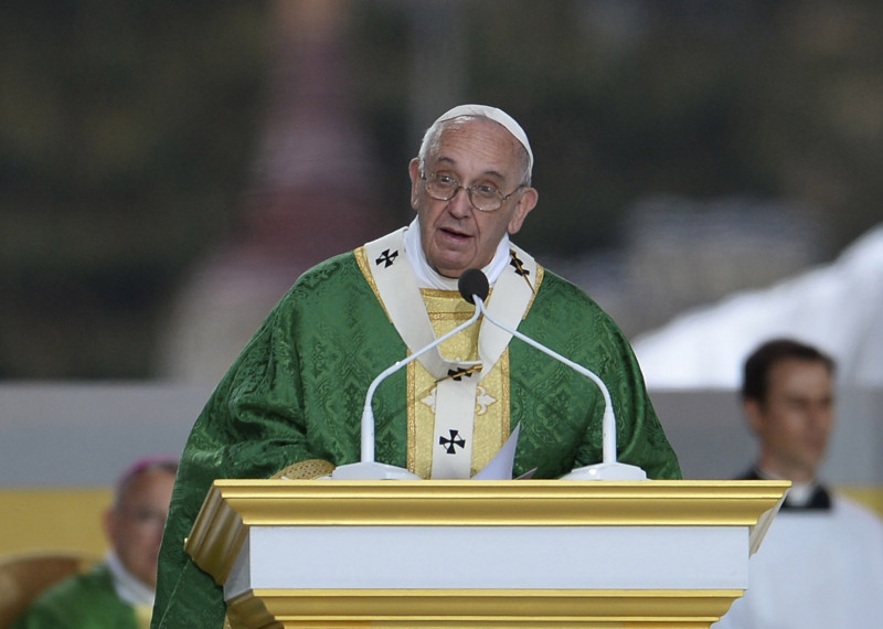 Pope Francis Celebrates Mass On Philadelphia's Benjamin Franklin Parkway
