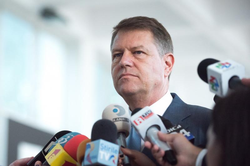 iohannis cu microfoane - presidency