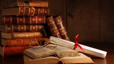 Ziua Internațională a Cărții. Un anticar bucureștean explică cum se pot vinde cărți în România