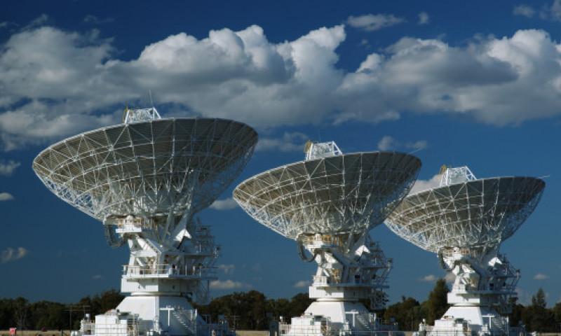 Astronomii se apropie in sfarsit de sursa semnalelor radio misterioase din spatiu. De unde provin