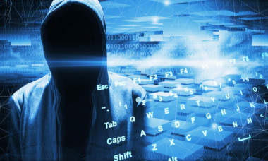 Miliarde de date personale, furate și vândute pe Dark Web. Cu cât au fost scoase la licitație datele bancare