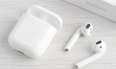 Apple va lansa a doua generatie AirPods. Ce pret vor avea noile casti wireless