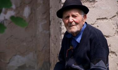 Afla CUM SA PRINZI 100 de ani din documentarul original Digi World