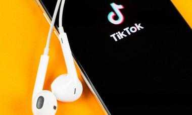 Microsoft vrea să cumpere TikTok, deși Trump a anunțat că o interzice. De ce ar fi periculoasă aplicația