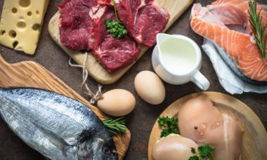 Atenție! Cum știi că mănânci prea multe proteine. Semnele pe care nu trebuie să le ignori