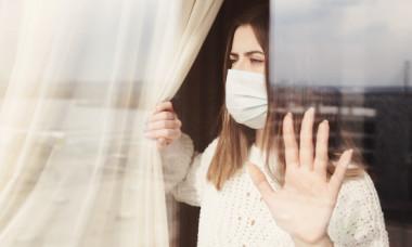 """A fost identificat cel mai nou simptom al infecției cu noul coronavirus. Prezentatoare TV: """"Nimeni nu-ți spune că sunt îngrozitoare!"""""""