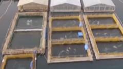 """VIDEO: Imagini sfasietoare cu o """"inchisoare"""" de balene ce tine captive peste 100 de suflete"""
