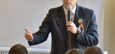 Liderul Sindicatului Europol acuză MAI că acordă bonusuri uriașe șefilor din instituție