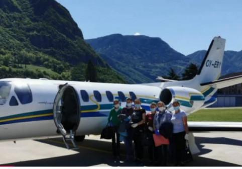 Exclusiv Digi FM: Cum le e muncitoarelor românce după care un patron italian a trimis avionul privat