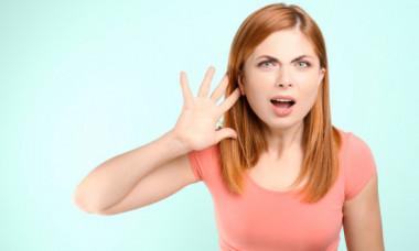 Obiceiurile care iti afecteaza auzul. Stiai ca sunt atat de periculoase?