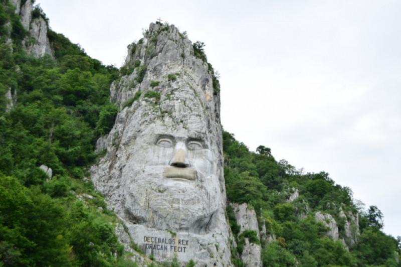 statuia lui decebal digi life