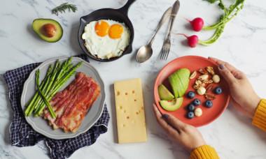 Dieta anti-migrene. Ce alimente ajută la combaterea durerilor de cap