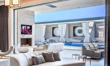 """Cele mai """"vânate"""" case ale celebrităților pe Google. Cum arată proprietățile de milioane de dolari"""