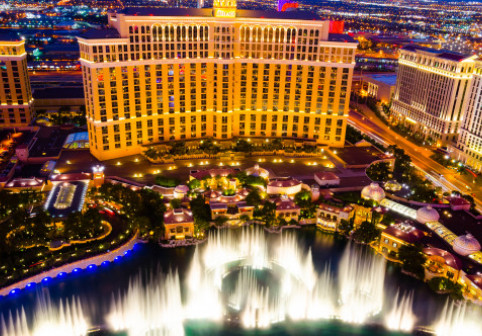 O stațiune cazino ce permite doar accesul adulților va inaugura cel mai mare amfiteatru dintr-o pisicina. Când va fi deschisă
