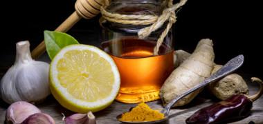 Antibiotice naturale. Care sunt alimentele-minune care te ajută să lupți contra bacteriilor și infecțiilor