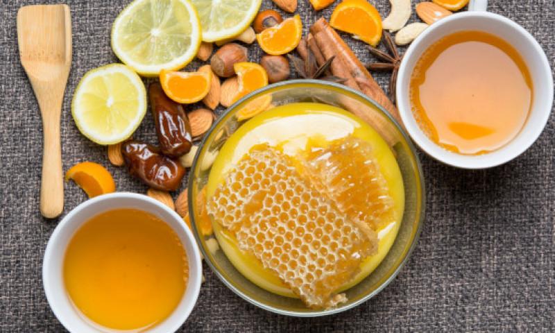 Cu ce poți înlocui zahărul în cafea, ceai sau prăjituri. Variante de îndulcitori naturali și artificiali