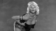 Pictorialele sexy din trecut.  Cum pozau divele de altădată. Imagini spectaculoase cu cele mai frumoase femei