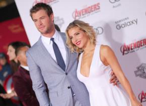 Chris Hemsworth și Elsa Pataky, surprinși la plajă. Ipostaze inedite cu unul dintre cele mai admirate cupluri de la Hollywood