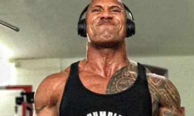 """Dwayne """"The Rock"""" Johnson și-a șocat fanii cu cel mai recent selfie: """"Arată mult mai rău decât se simte"""""""