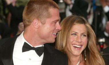 Brad Pitt, surprins la petrecerea aniversară a lui Jennifer Aniston. Adevărul despre relația lor