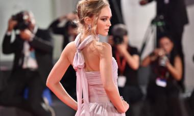 Fiica lui Johnny Depp, despre scenele nud: Am fost crescută de o mamă franțuzoaică, m-a învățat să nu-mi fie rușine cu corpul meu