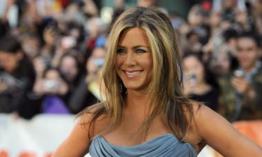 """Portret nud al lui Jennifer Aniston, scos la licitație. Este una dintre cele mai senzuale imagini cu actrița din """"Friends"""""""