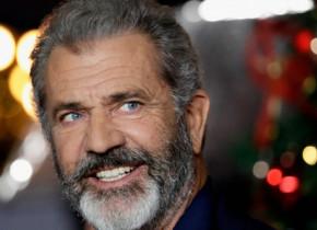 Mel Gibson, într-o zi obișnuită, când nu filmează. Actorul de 65 de ani, la înghețată cu fiul său de 4 ani