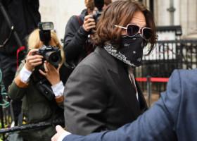 Johnny Depp, într-un acces de furie, filmat de Amber Heard. Video-ul, prezentat acum în procesul de la Londra