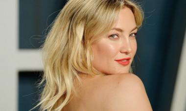 """Kate Hudson, în costum de baie, arată la 42 de ani ca la 24. """"Tu pur și simplu nu îmbătrânești!"""""""