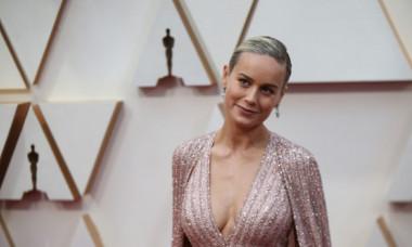 Brie Larson, actrița care ar putea trece drept model. Cum arată Captain Marvel în costum de baie