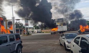 VIDEO. Lupte de stradă în Mexic, după ce Garda Națională l-a arestat pe fiul lui El Chapo. Autoritățile, obligate să-l elibereze