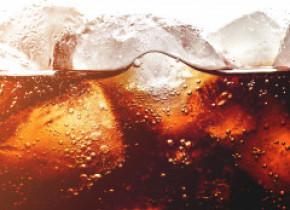 Germeni în gheața băuturilor răcoritoare de la KFC, depistați la un control ANPC. Decizia luată de companie