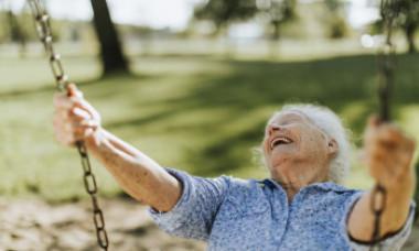Ce să faci ca să trăiești mult? Sfaturi șocante din partea unor persoane care au ajuns la 100 de ani