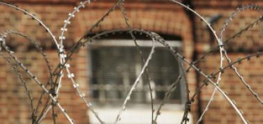 Un bărbat din Botoșani vrea să fie condamnat la închisoare pe viață și nu reușește