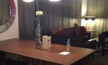 Coșmarul oricărui turist. Un hotel avea dispozitive video în cameră prin care oaspeții erau spionați