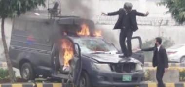Imagini incredibile: Peste 200 de avocați înarmați au atacat un spital. Trei pacienți au murit în timpul atacului - VIDEO