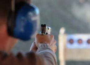 Bărbat împușcat în tâmplă, la un poligon din Constanța